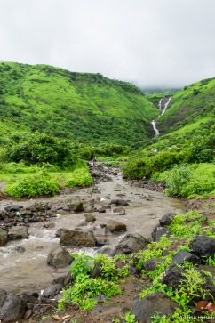 The path leading up to the falls